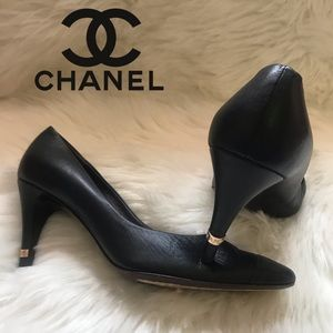 Authentic CHANEL CC Logo Heel Cap Toe Pumps